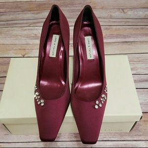 New! Lord & Taylor Burgandy Satin Juliet